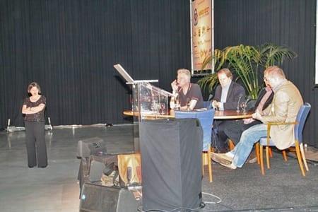 panel Cross Media Café