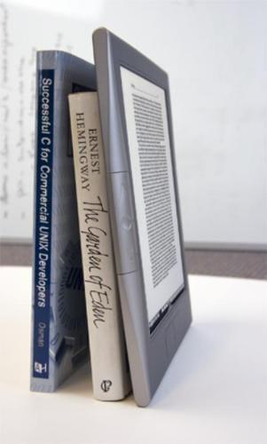 ereader naast boek