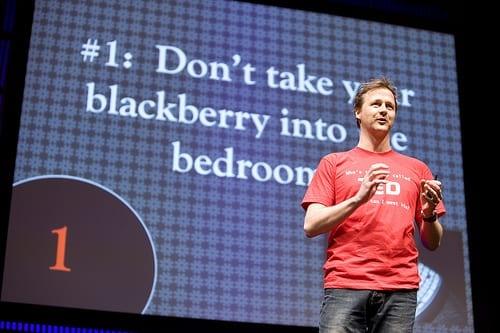 Jim Stolze tijdens zijn TED optreden