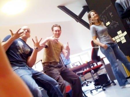 Bram, Daan en Simone in een daily scrum voor D-rent