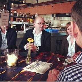 Aan de Round table met Albert Jan Huisman van Kennedy van der Laan