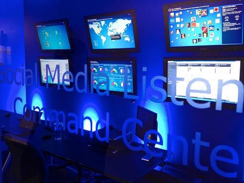 Een kijkje in het social media command center van Dell