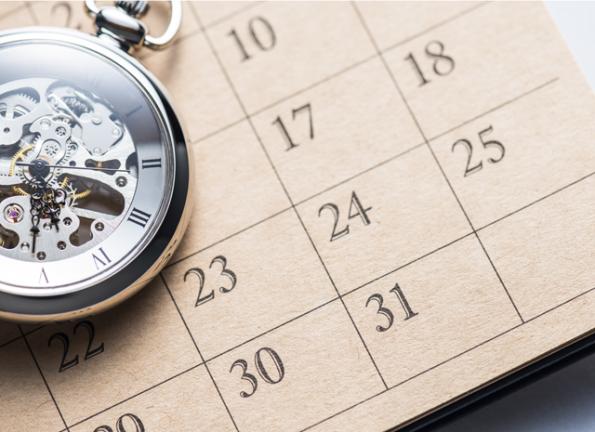 kalender-horloge-fotolia