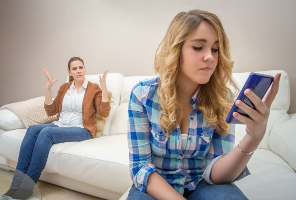 Tiener en mobiel