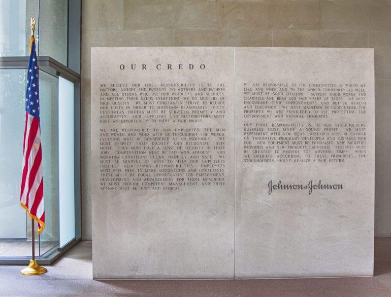 Credo Johnson & Johnson op het hoofdkantoor. Afbeelding via Johnson & Johnson.
