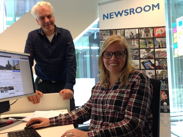Barry Raymakers en Stephanie van Dijk in de newsroom van gemeente Delft
