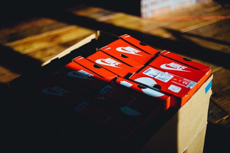 Blur Boxes Shoe Box Nike Shadow Text