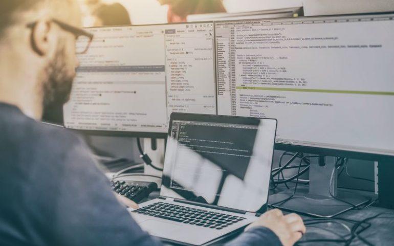 Programmeur aan het werk
