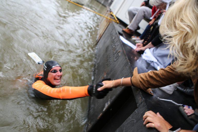 Maarten van der Weijden 11stedenzwemtocht Claudia de Breij