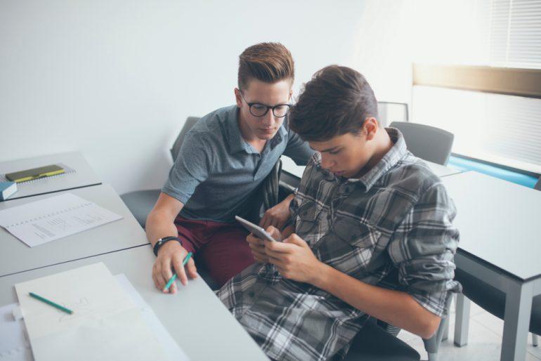 scholieren-smartphone