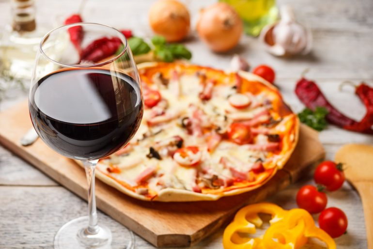 pizza red wine