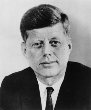 John F. Kennedy en de NASA zetten met OGSM de eerste man op de maan