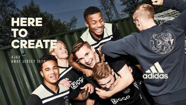Introductie nieuwe Ajax-uitshirt