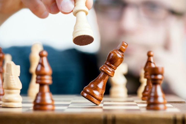 schaakspel met hand