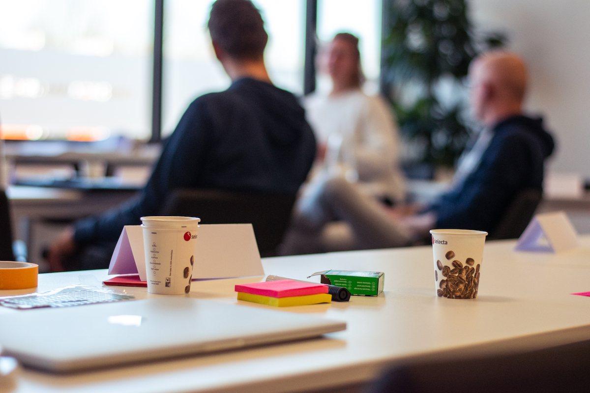 co-creatie team op kantoor