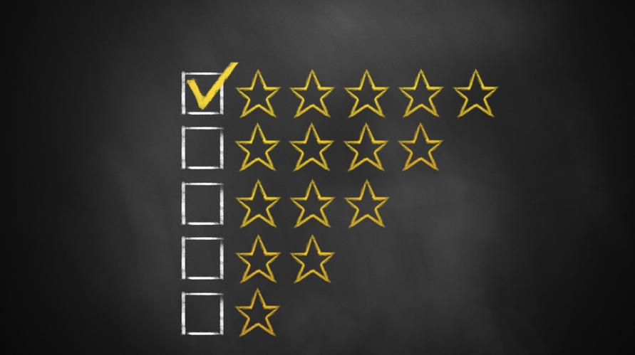Afbeelding van een review met vijf sterren.