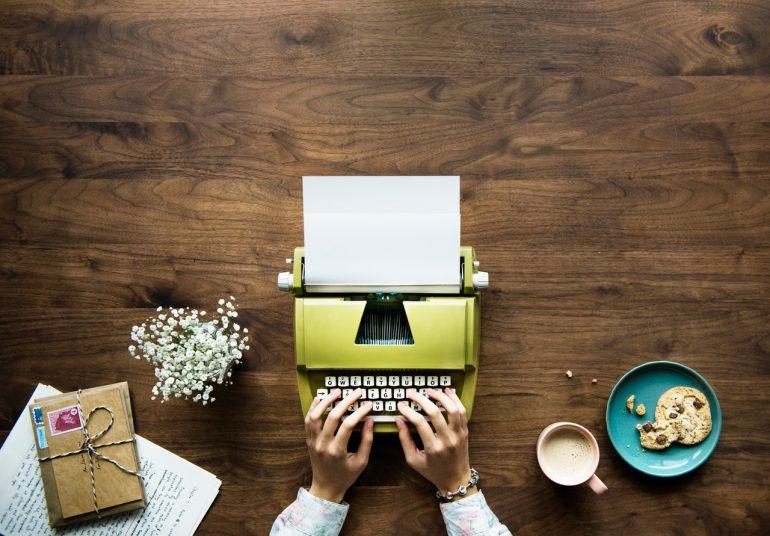 digitaal samenwerken typemachine ouderwets