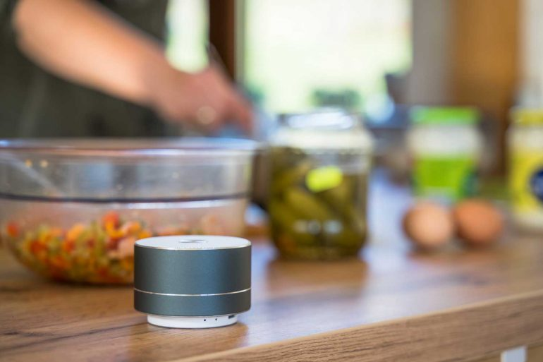 smart speaker in de keuken.