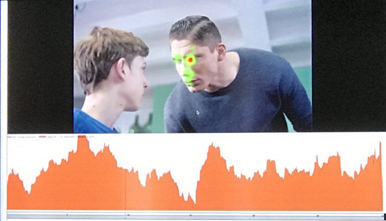 Screenshot van de commercial van Zonnatura waarbij Rico Verhoeven ineens boos verschijnt.