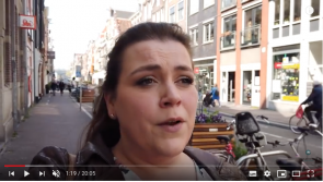Screenshot van Charlotte's Law Vlog met een incidentele verwerking.