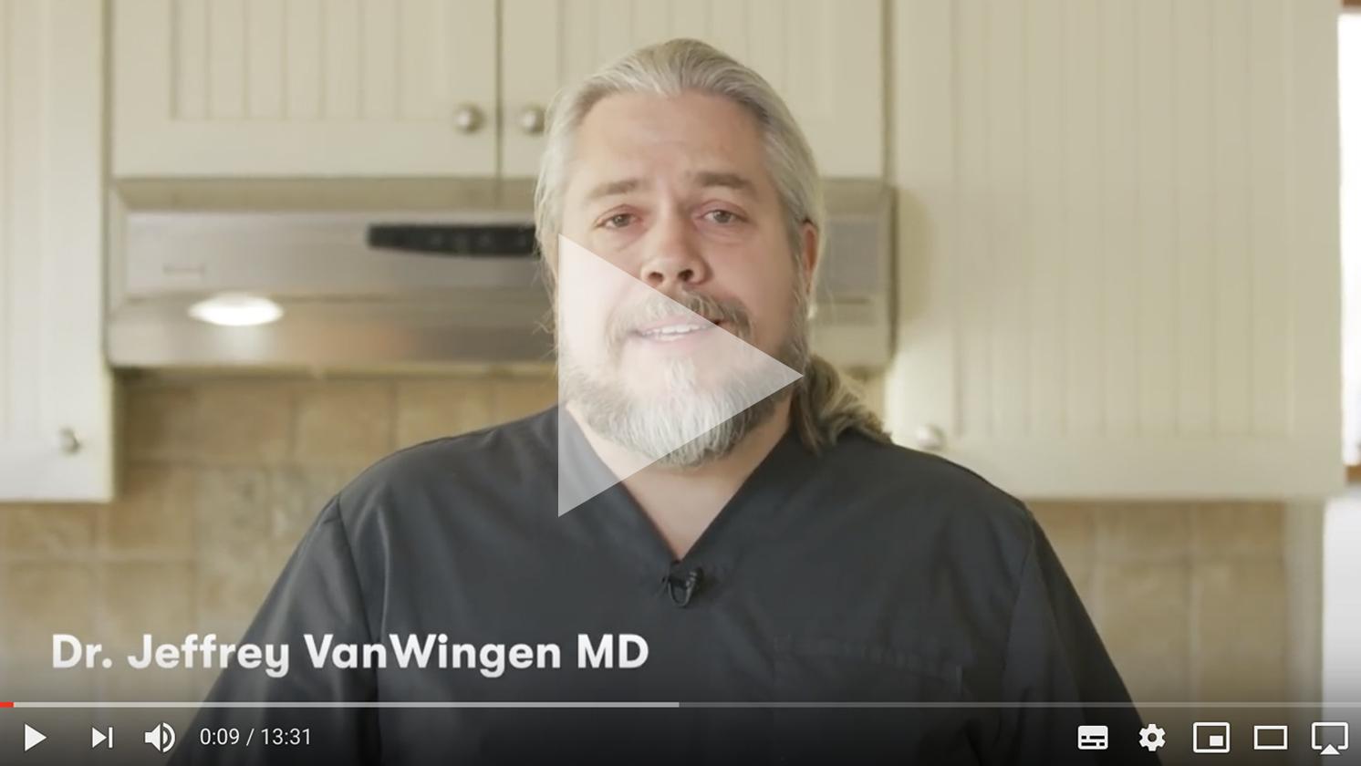 Deze afbeelding hoort bij FrankWatching Blog: Dit moet weten om jouw videos viraal te laten gaan van Stephan Makatita. In de video vertelt een Amerikaanse dokter hoe je het beste om kan gaan met het Corona virus.