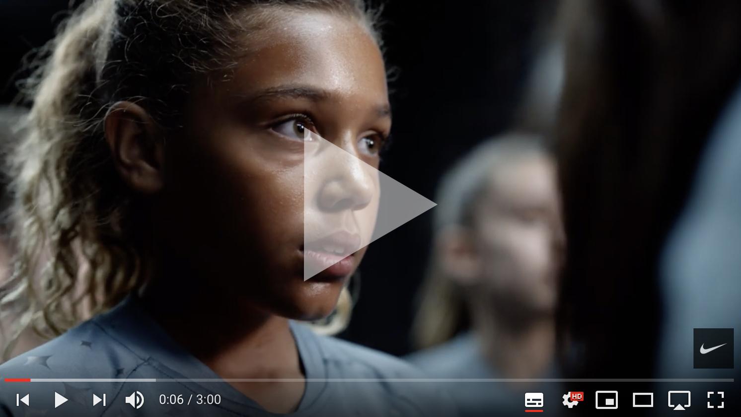 Deze afbeelding hoort bij FrankWatching Blog: Dit moet weten om jouw videos viraal te laten gaan van Stephan Makatita. Nike Commercial met Lieke Martens