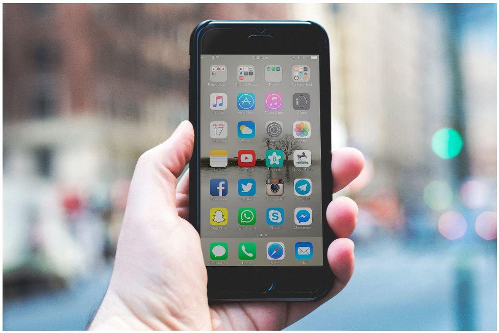 Afbeelding van een telefoon die wordt gebruikt voor de contentstrategie.