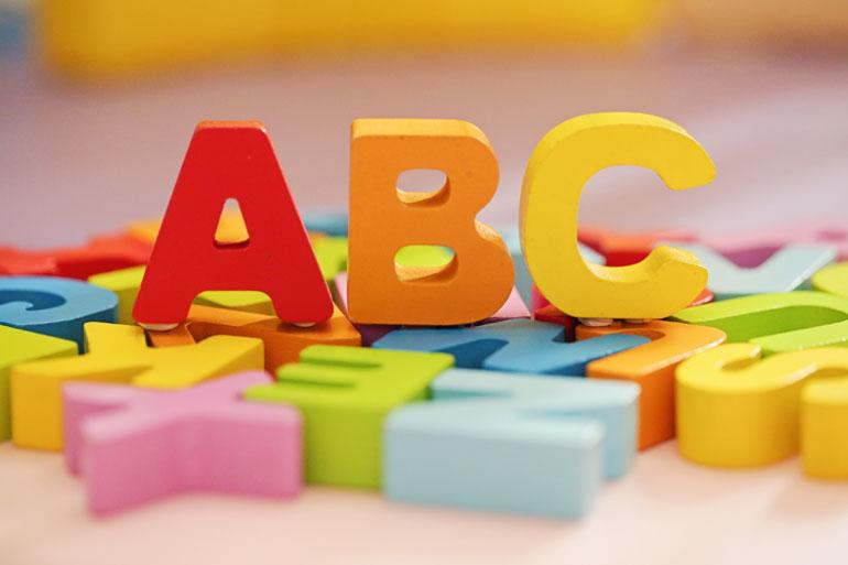 Alfabet blokjes met abc.