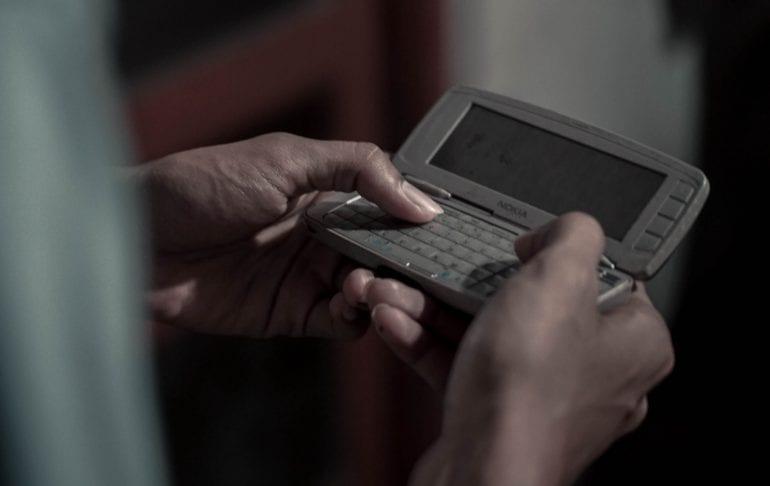 Foto van een oude Nokia smartphone