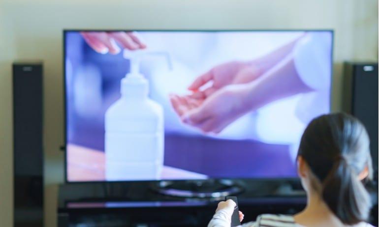 Handen wassen op tv.